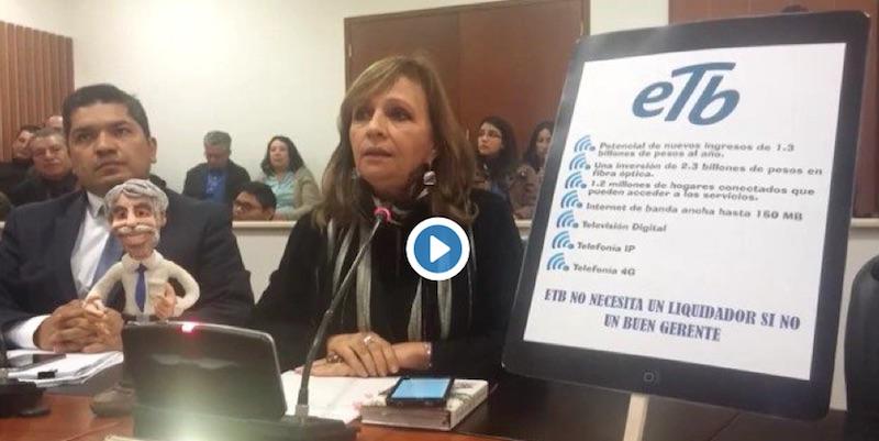 Ángela Robledo dice que ETB es un iPhone 6 que se venderá como un Motorola C115