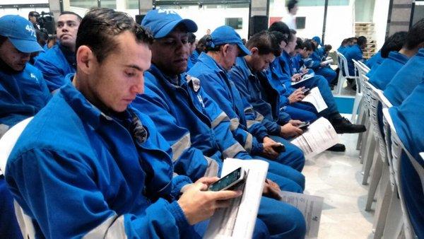 Dispositivos móviles modernizarán servicio de mensajería en Colombia