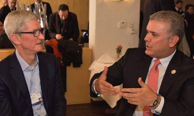 Presidente de Apple le dijo a Iván Duque que está interesado en invertir en Colombia